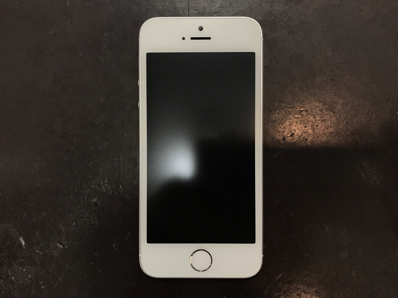 70b3c0f5-5e6e-4166-85f3-deb51068ae9d_1542688991_159611166 大きな割れが広がったiPhone SE の画面交換をしました!